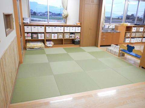 0−1歳児室